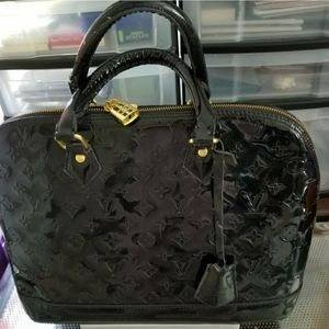 Handbags - 🔥DESIGNER INFLUENCED PATENT LEATHER HANDBAG